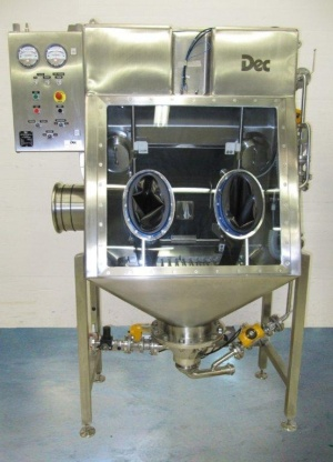 DEC Isotube Safe loading and discharging of drums of highly active pharmaceutical ingredients