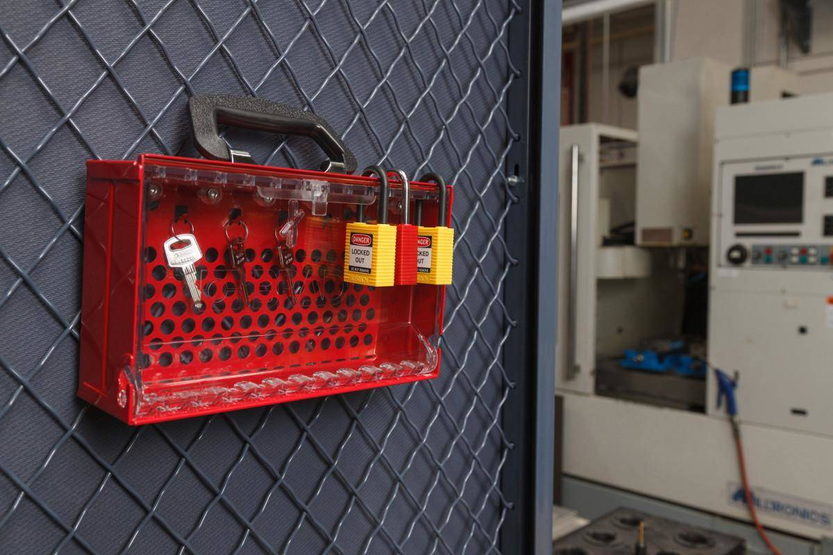 New SlimView Group Lock Box for efficient Lockout/Tagout Easily store, carry and apply padlocks